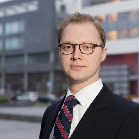 Dr. Bernd Justin Jütte